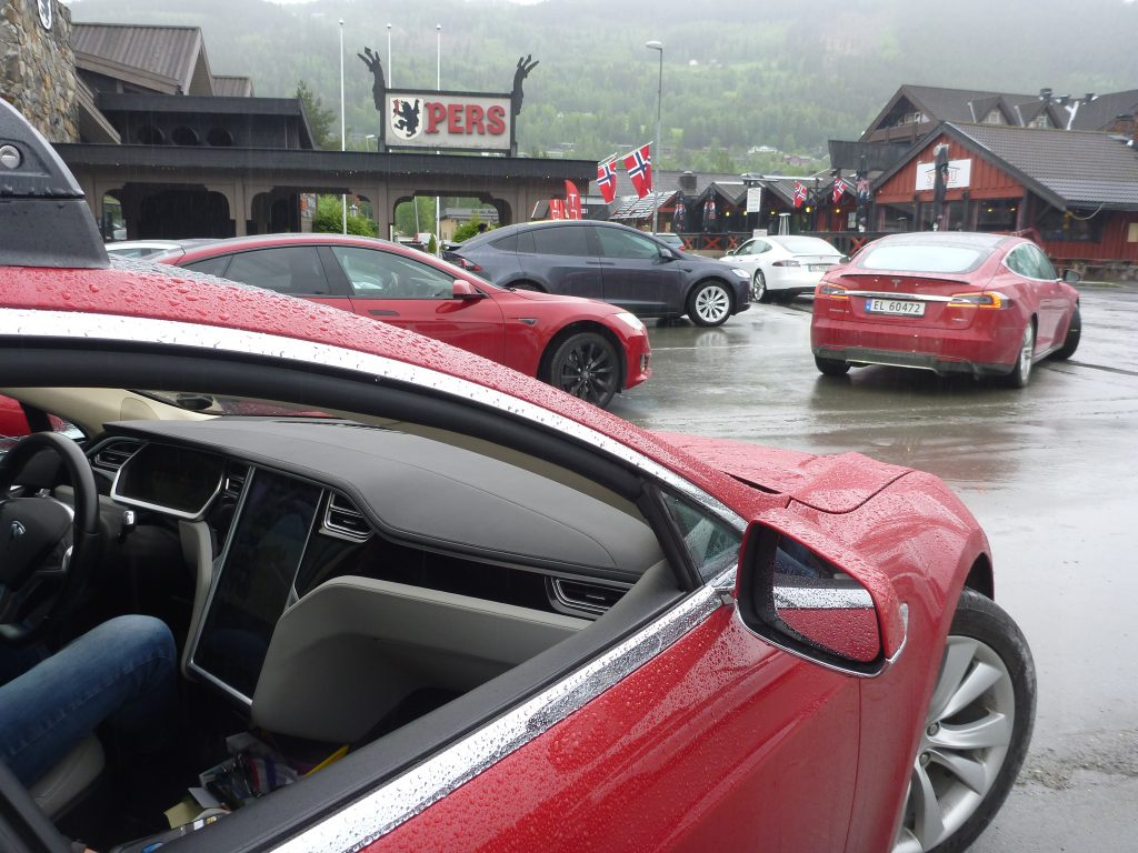 Tesla Superlader Tesla Oppdaterer Programvaren Dn No P1050831 Tocn Tesla Owners Club Norway