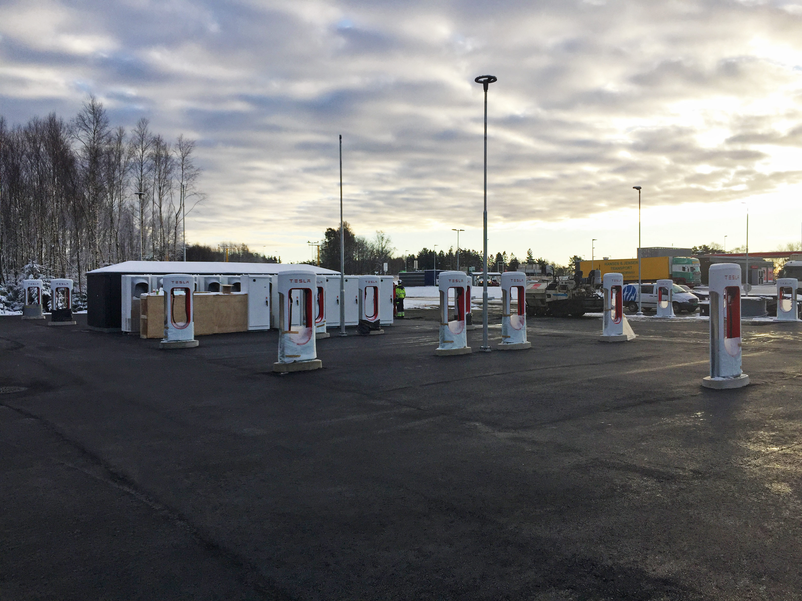 Rygge Supercharger er åpnet! Tesla Owners Club Norway