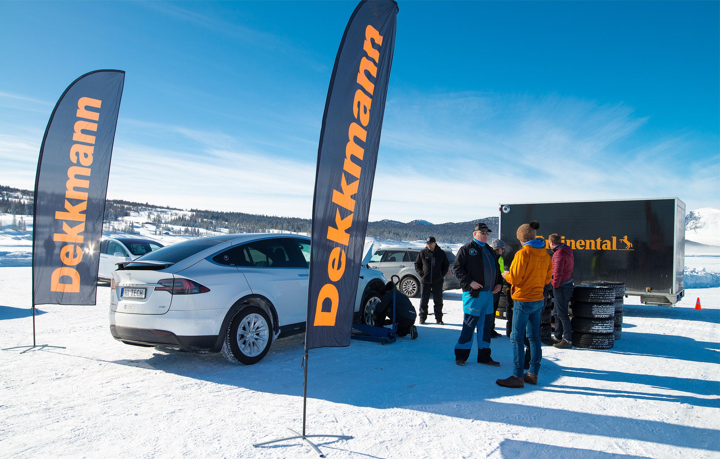 Vår partner Dekkmann sørger for at deltakere på Vintertreffet får testet nye vinterdekk fra Continental
